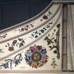 Clavecin - décoration table d'harmonie décorée